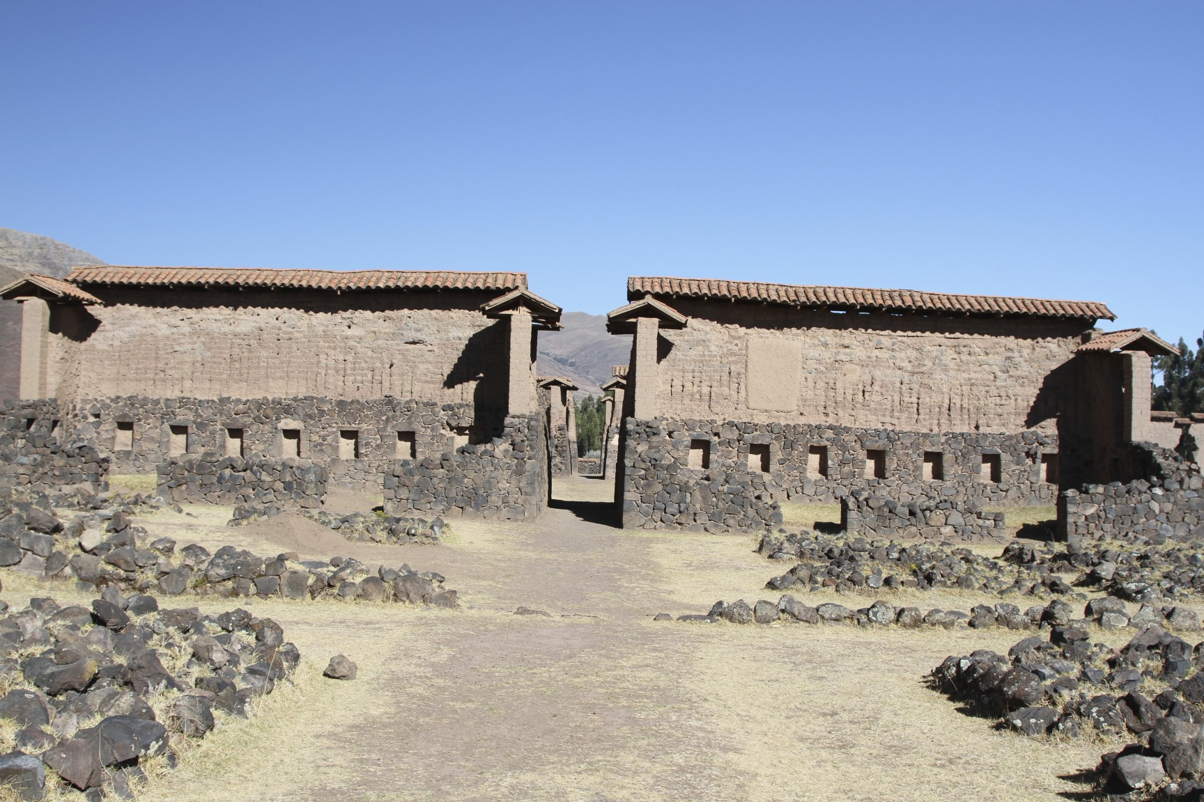 Adobe building notesfromcamelidcountry Building an adobe house