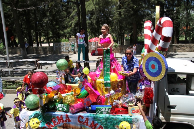 A sugary float, Carneval, Tarija, Bolivia