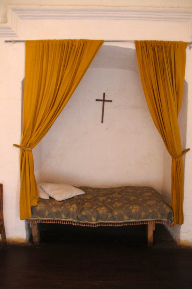 Bed in a wealthy nun's room, Monestario de Santa Catalina, Arequpia, Peru