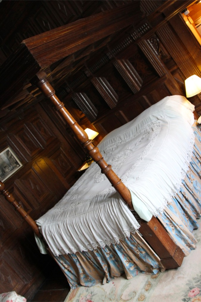 Four poster bed, SIzergh Castle, Cumbria, England