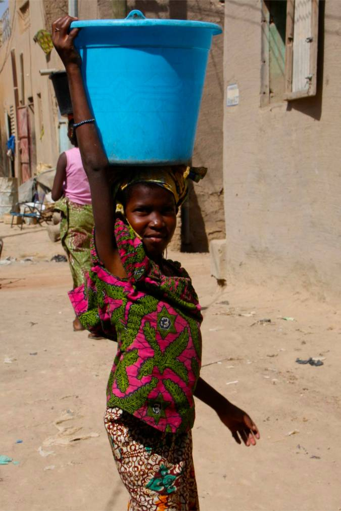 A young girl in Mopti, Mali, Africa