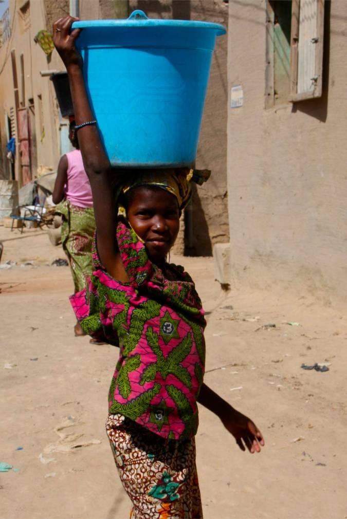 A young girl in Mopti, Mali, Africa