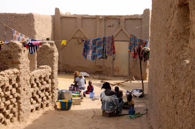 Village street, Niger River, Mali, Africa