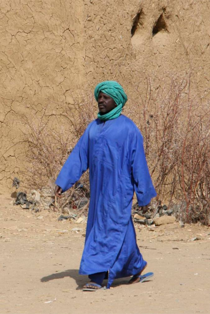 Man in the street, Niafunké, Niger River, Mali, Africa