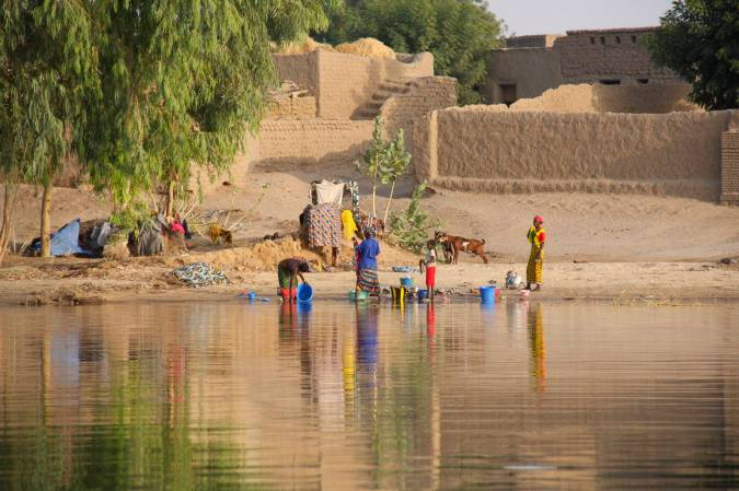 Typical scene on the banks of the Niger River, Mali, Africa