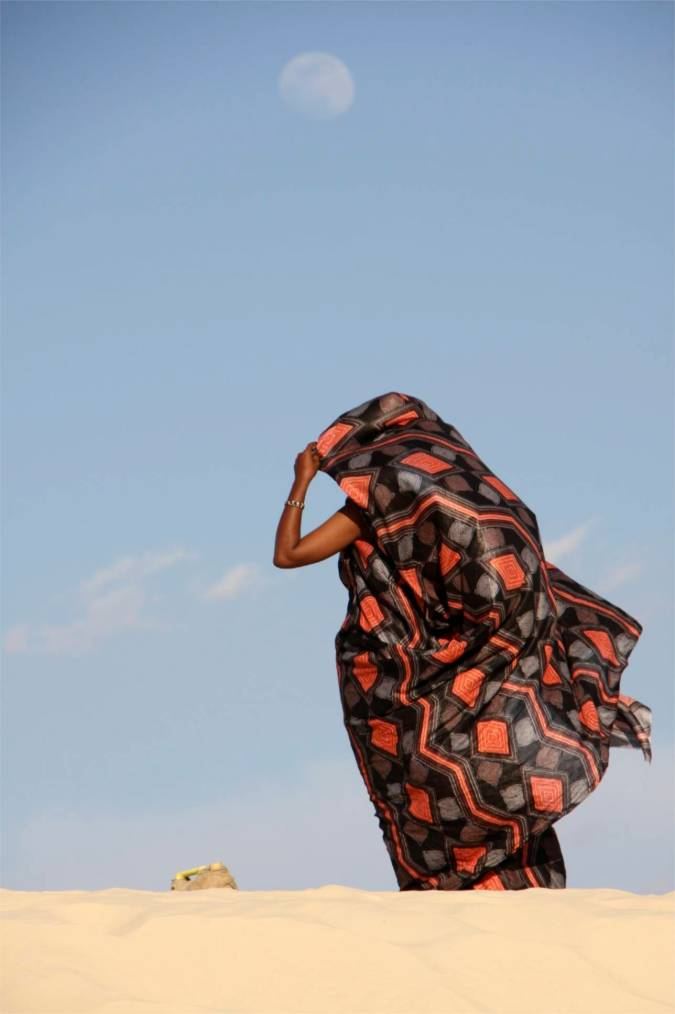Tuareg woman at Essakane, home of the Festival au Désert, Mali, Africa