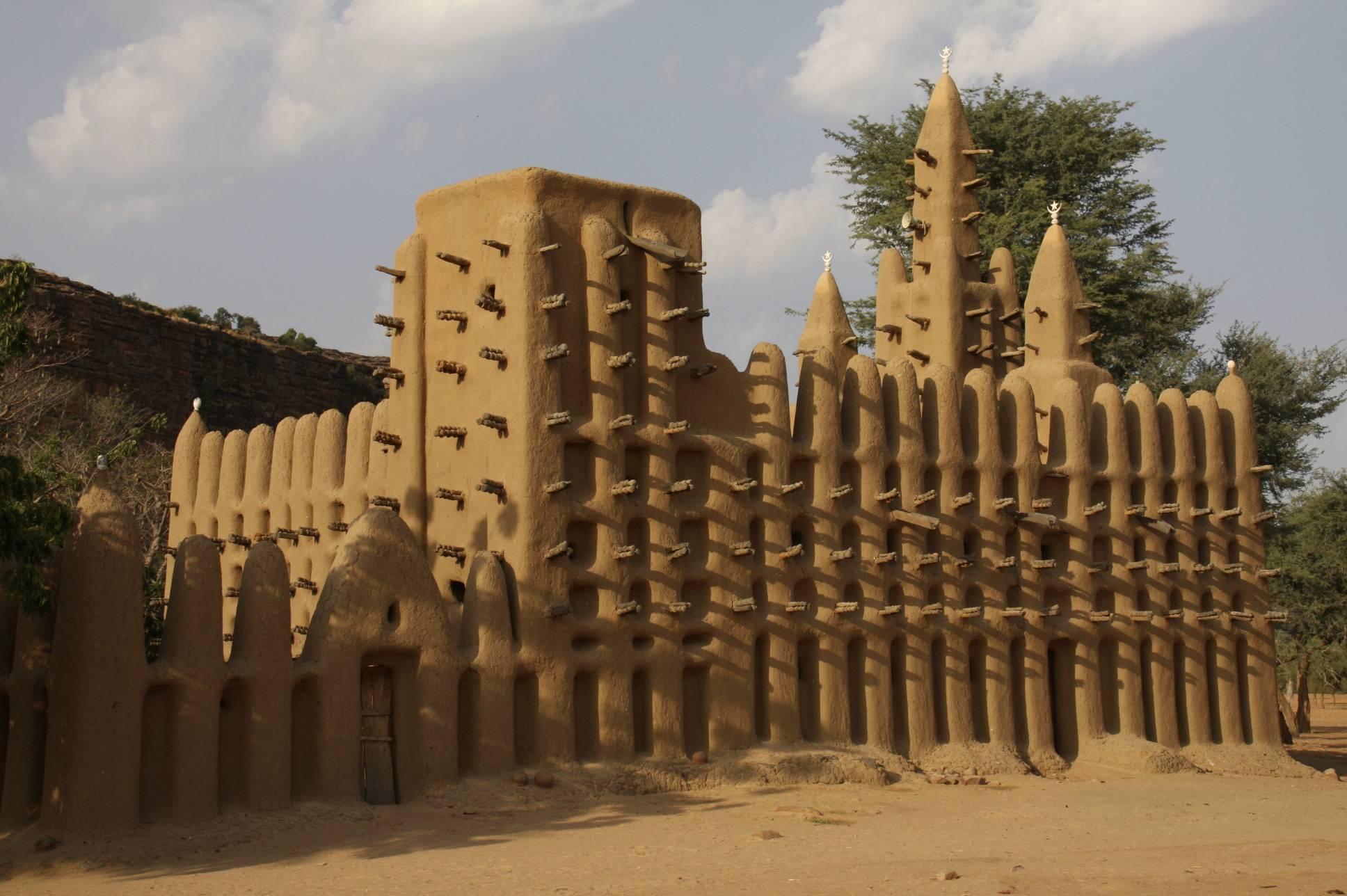 Mali Mali Beach Resort Booking