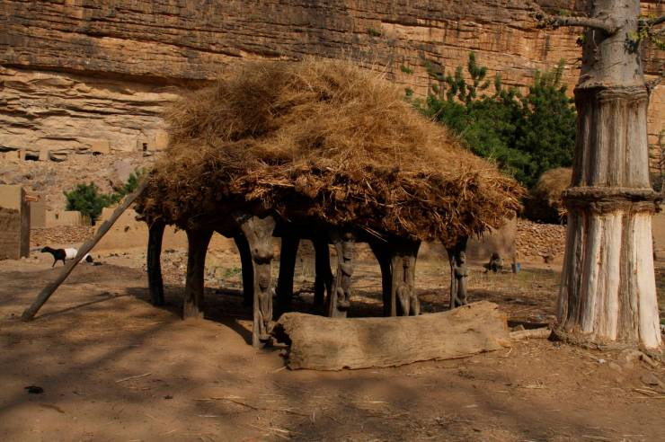 Togu na, a traditional meeting place, Enndé, Dogon Country, Mali, Africa