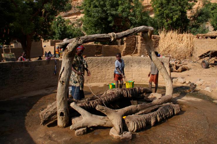 The village well, Ennde, Dogon Country, Mali, Africa