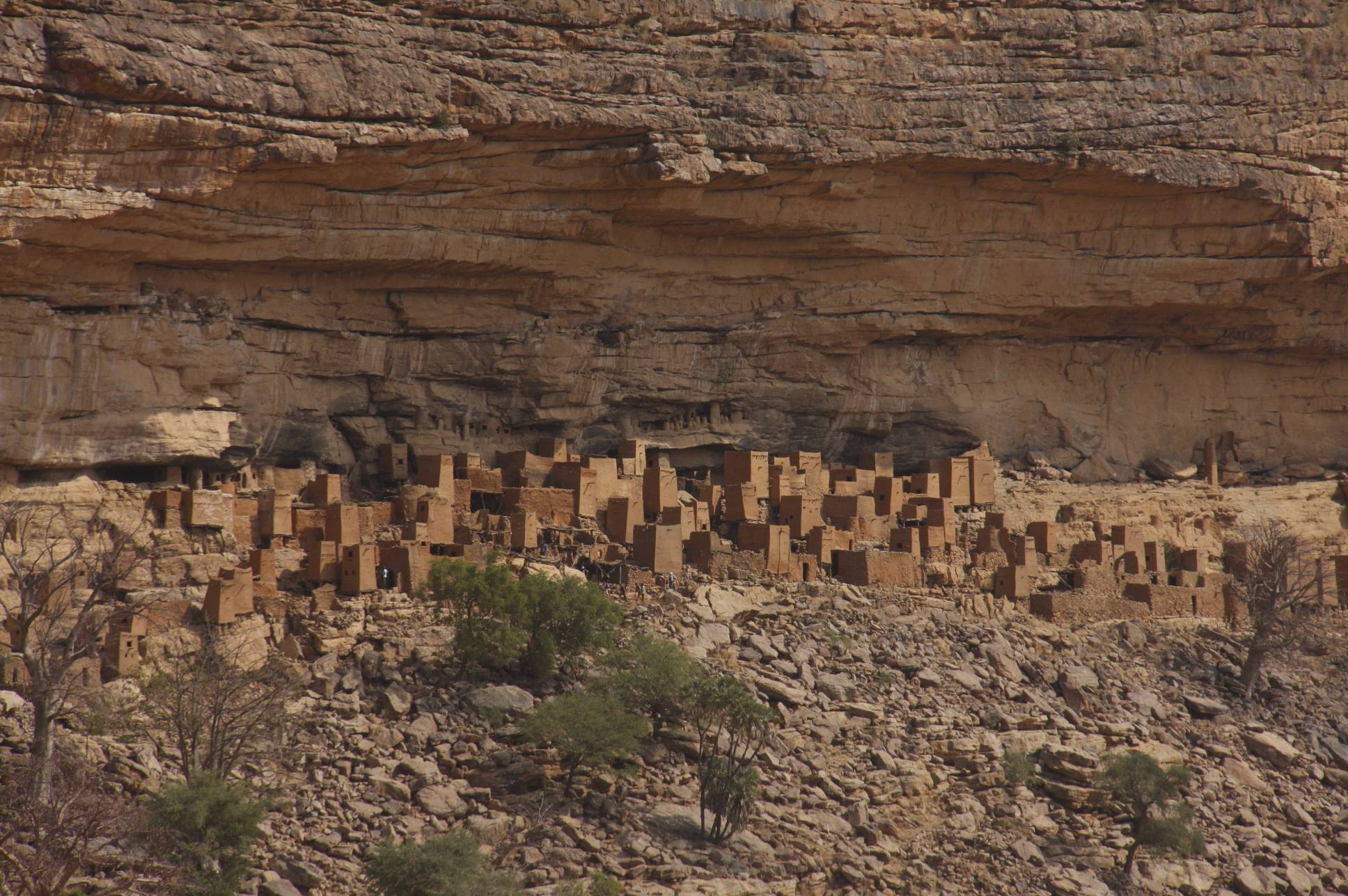 Dogon culture notesfromcamelidcountry dogon buildings under the bandiagara cliffs dogon country mali africa biocorpaavc