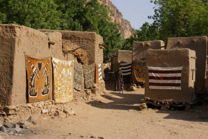 Weavings, Ennde, Dogon Country, Mali, Africa