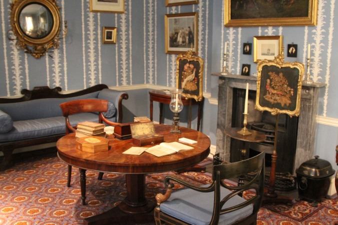 1850s parlour, Geffrye Museum, London, England
