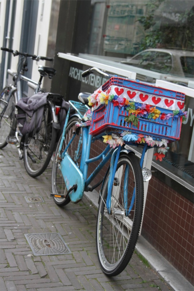 Bike with flowers, The Hague, Netherlands