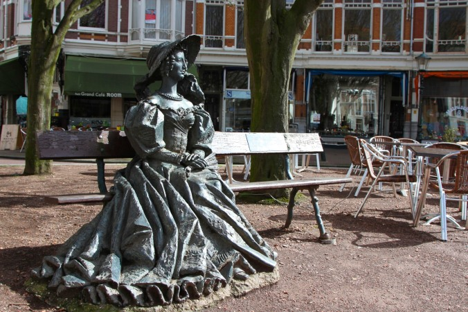 Statue in a square, The Hague, Netherlands