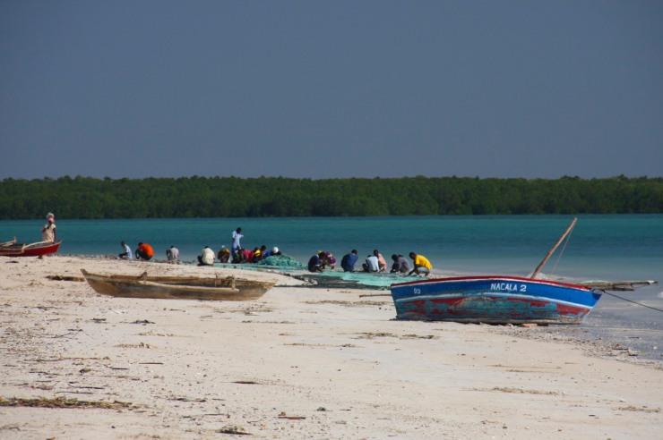 Mending nets, Quirimba Island, Quirimbas Archipelago, Mozambique, Africa