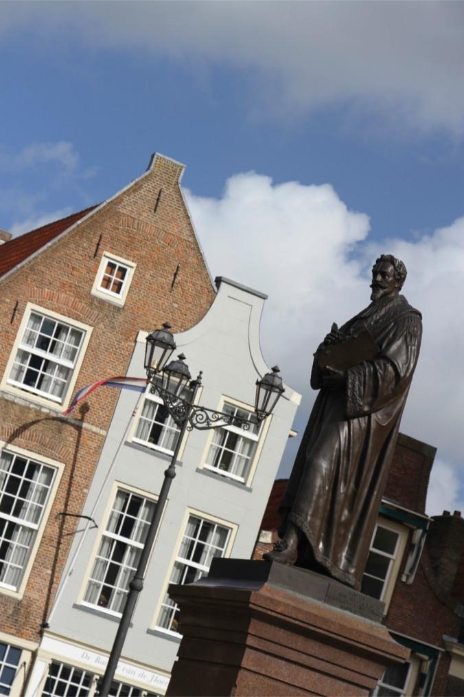 Statue in Markt, Delft, Netherlands