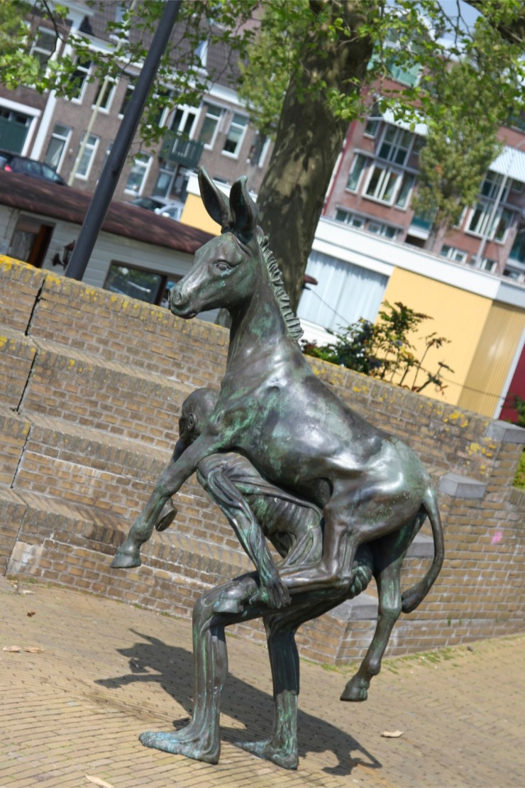 Statue Statue entitled Jack Ass by the suitably named Gijs Assmann, Gouda, Netherlands Jack Ass by the hilariously named Gijs Assmann, Gouda, Netherlands