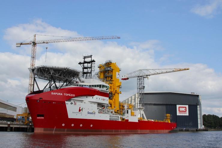 Big ship on the Noord, between Dordrecht and Rotterdam, Netherlands