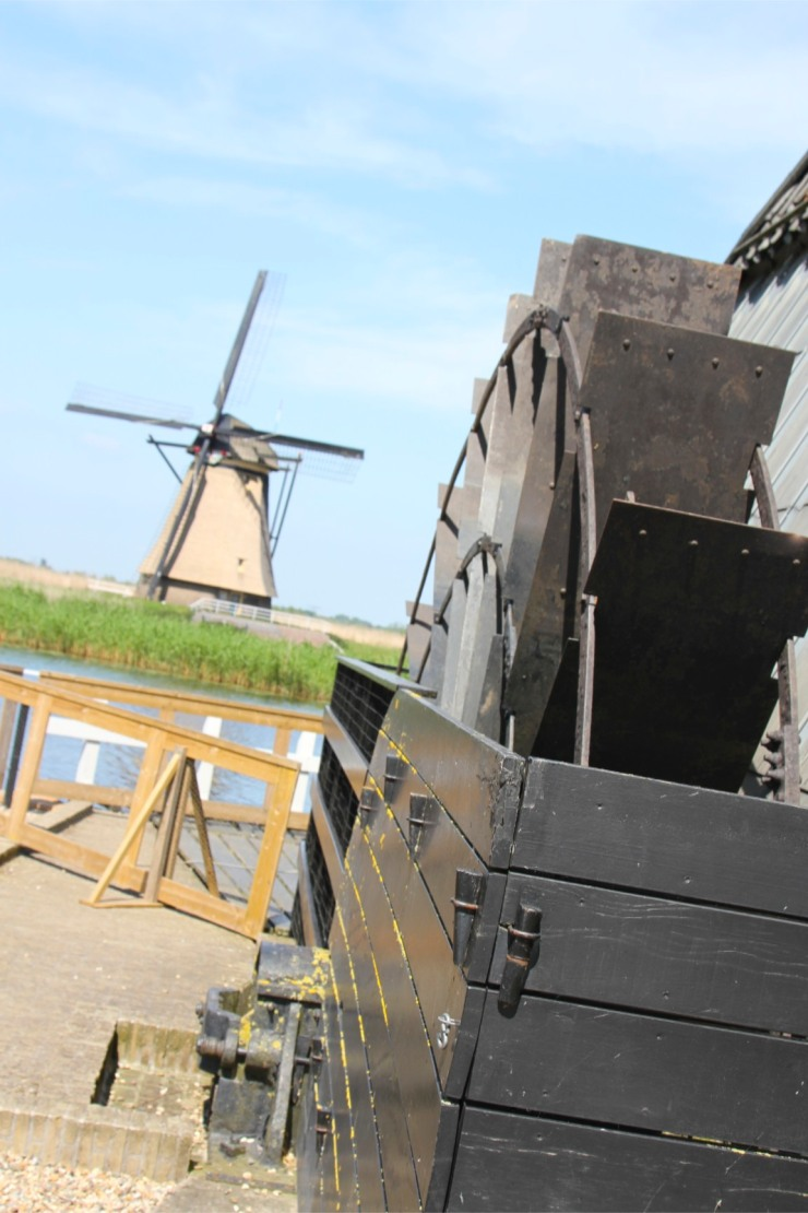 Water wheel, De Blokker Post windmill at Kinderdijk, Netherlands
