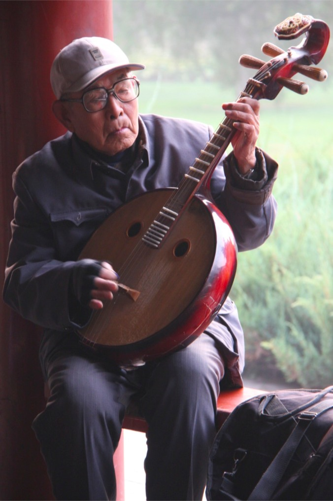 Musician, the Temple of Heaven, Beijing, China