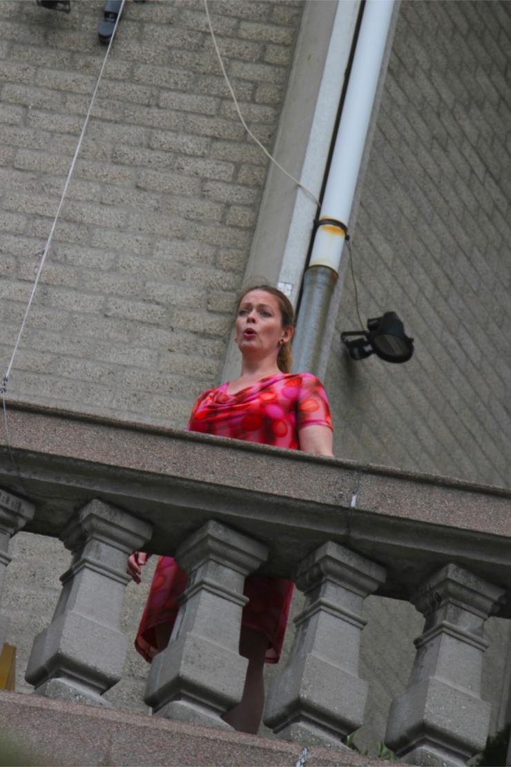 Opera singer, Oudehaven, Rotterdam, Netherlands