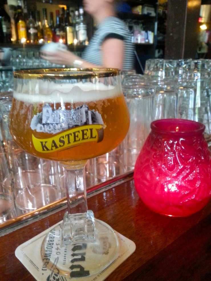 Strong, sweet and tasty, Kasteel Blonde tasted in Delft