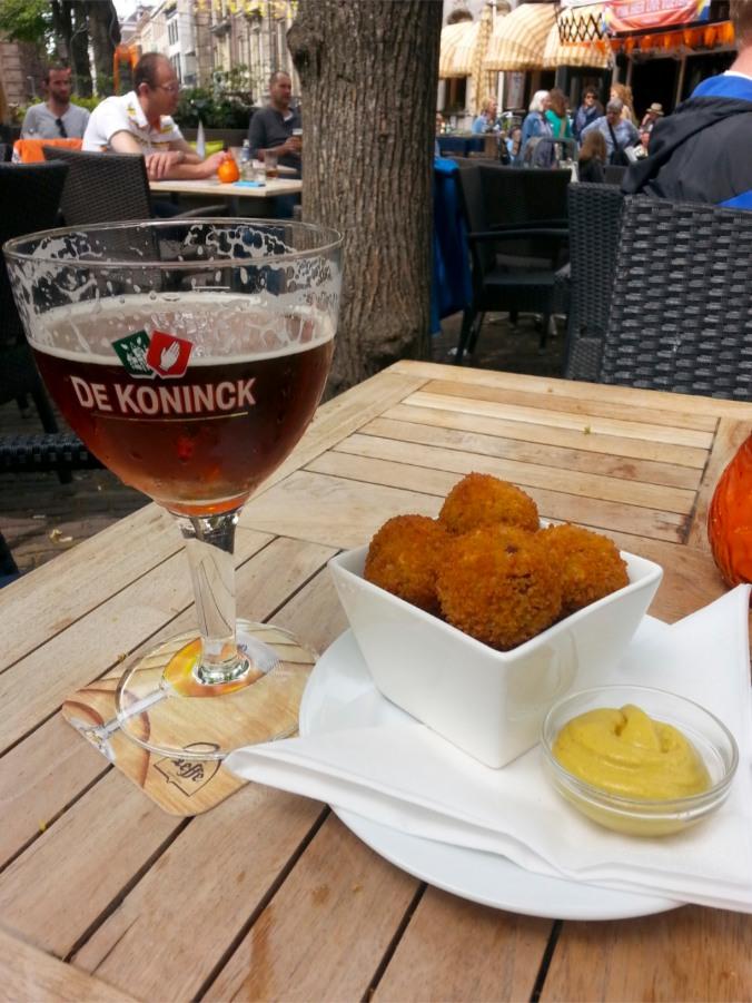 De Koninck and bitterballen, Plein, The Hague