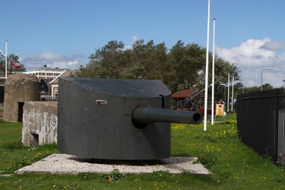 Gun, Fort 1881, Atlantic Wall at Hook of Holland, Netherlands