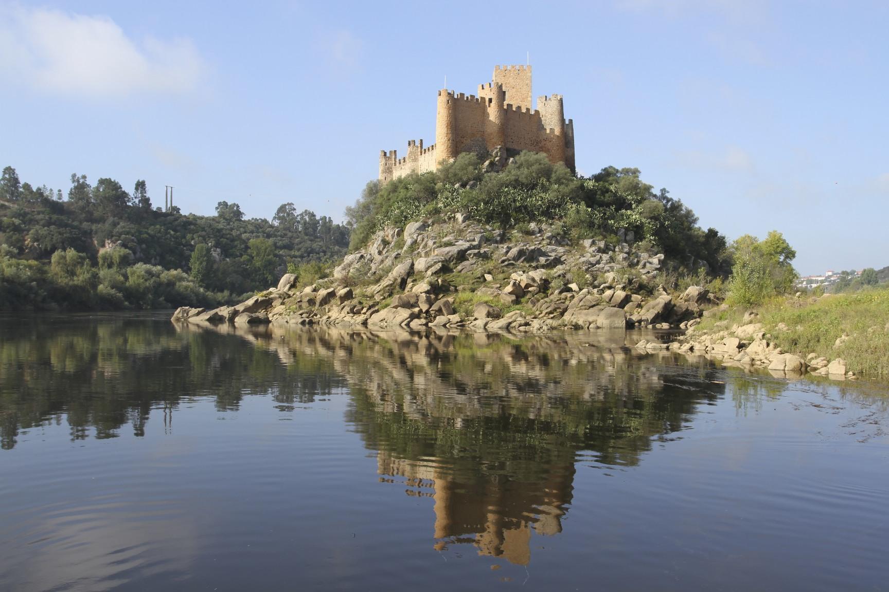 Castelo De Almourol Constancia Portugal Notes From Camelid Country