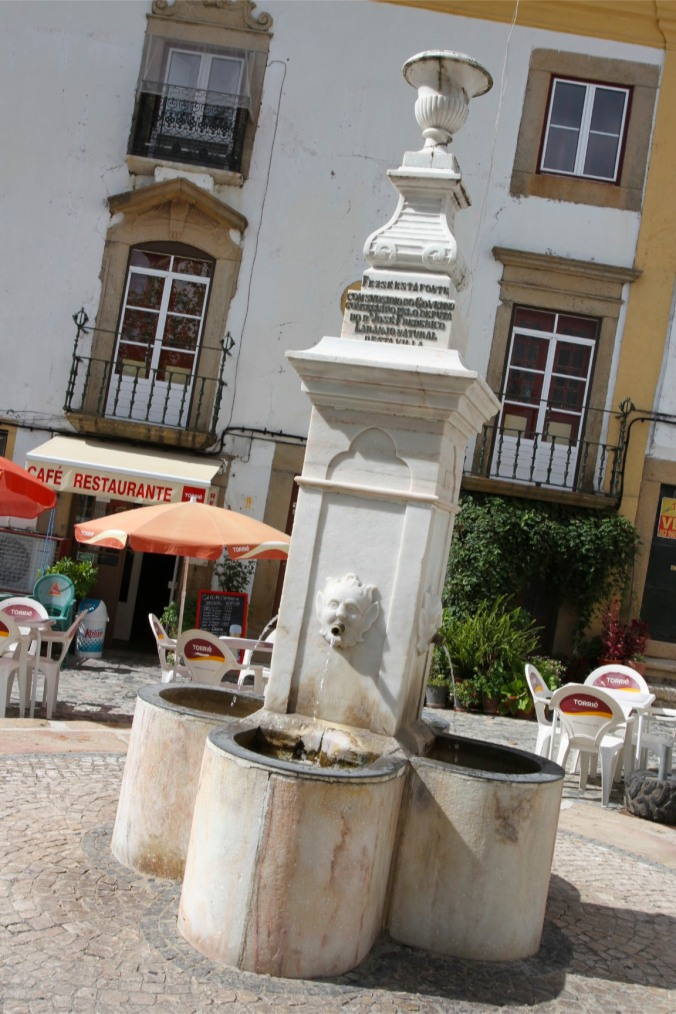 Water fountain, Castelo de Vide, Portugal