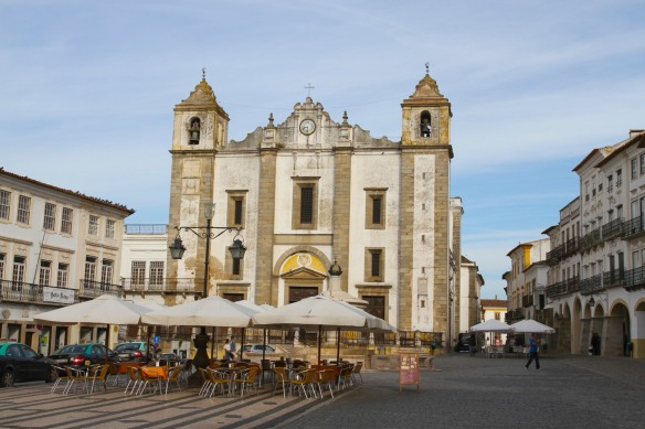 Evora's main square, Praça do Giraldo, Portugal
