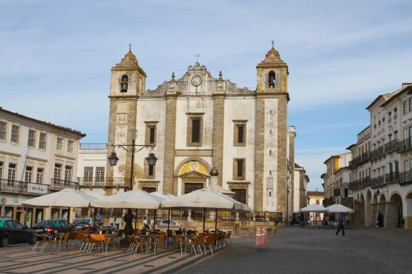 Evora's main square, Praça do Giraldo, Portugal