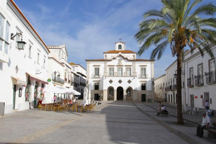 Praca de Republica, Serpa, Alentejo, Portugal
