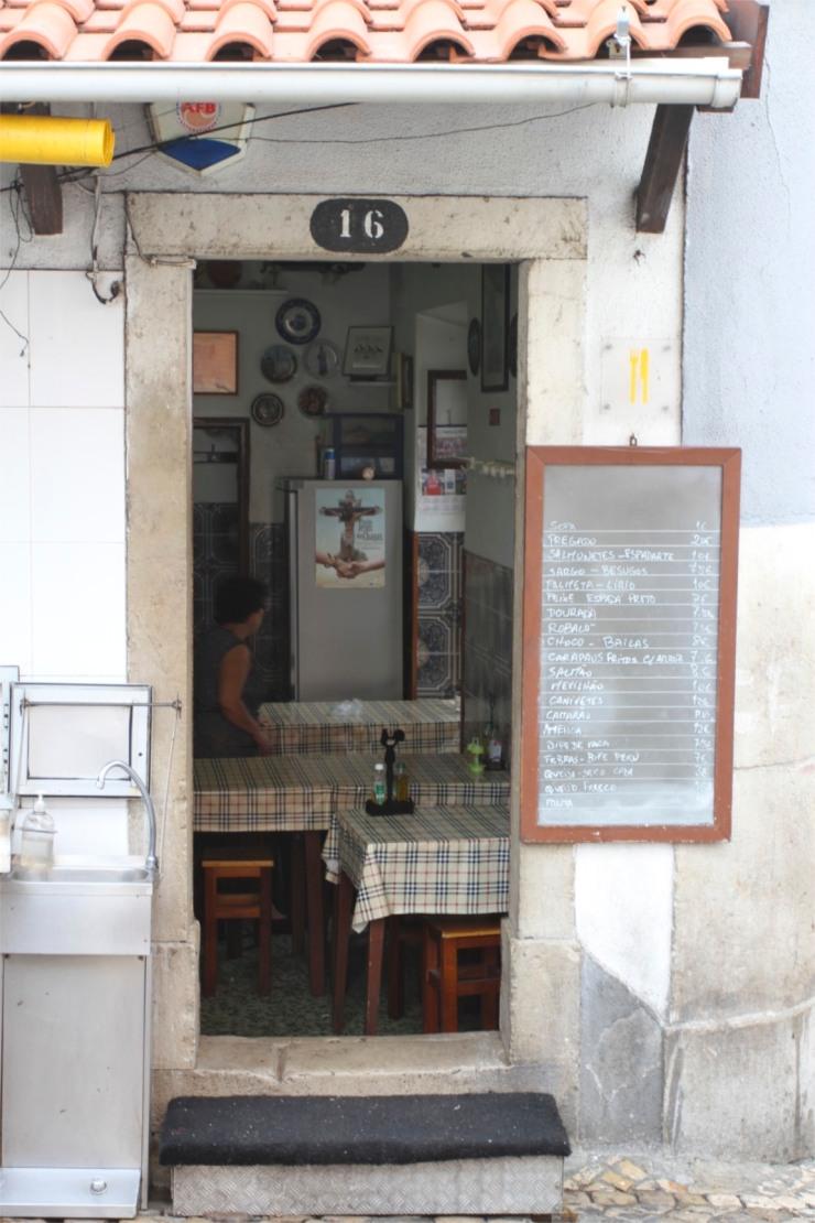 Fish restaurant, Sesimbra, Portugal