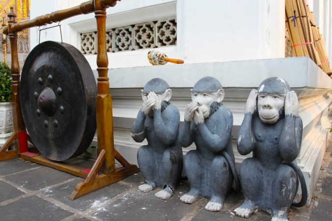 Wise monkeys, Wat Arun, Bangkok, Thailand