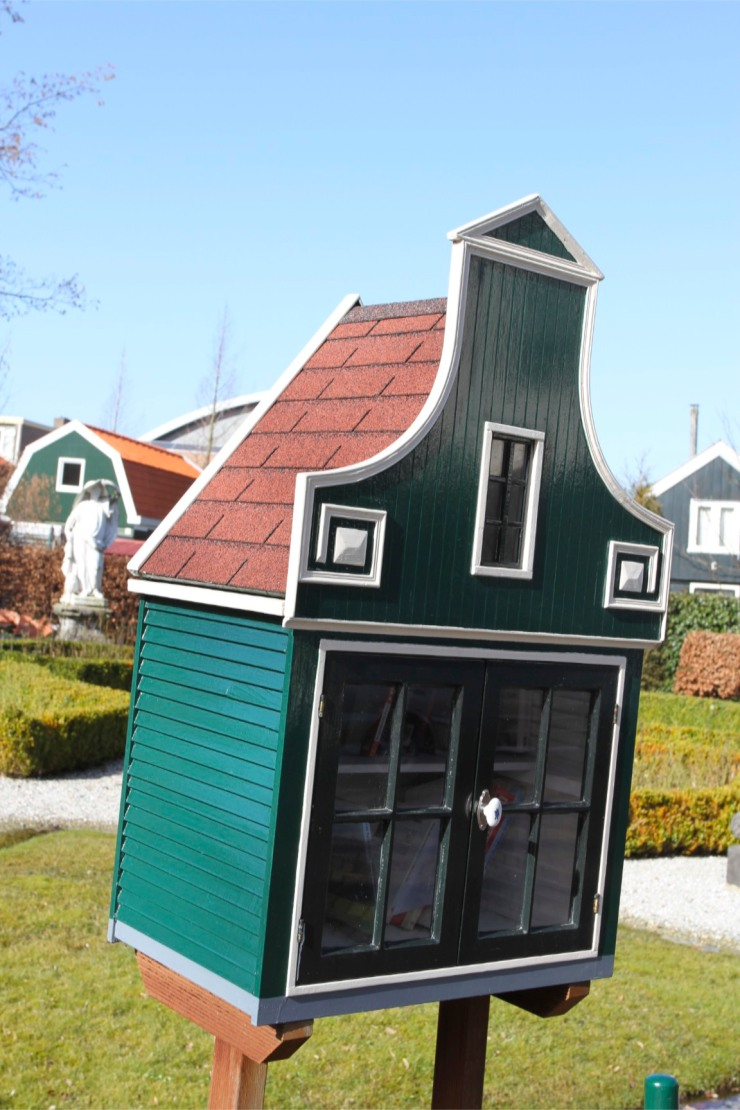 Book borrowing miniature house, Zaandijk, Zaanse Schans, The Netherlands