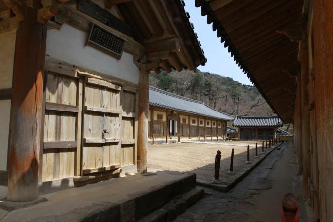 Tripitaka Koreana building, Haein-sa, Korea