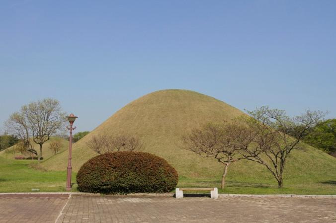Silla Tombs, Tumuli Park, Gyeongju, Korea