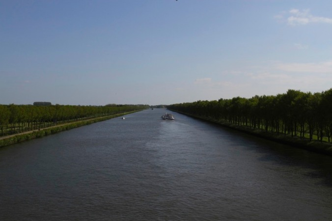 The Rijnkanaal near Weesp, Netherlands