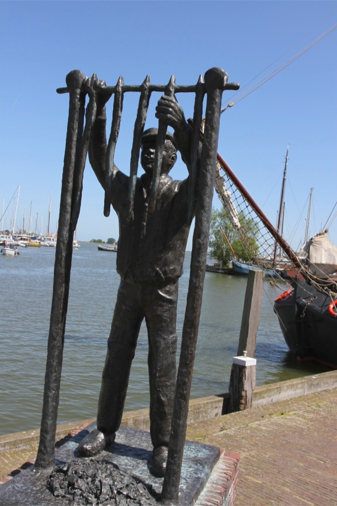 Eel fishing statue, Monnickendam, Netherlands