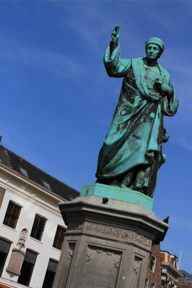 Laurens Jansz Koster statue, Haarlem, Netherlands