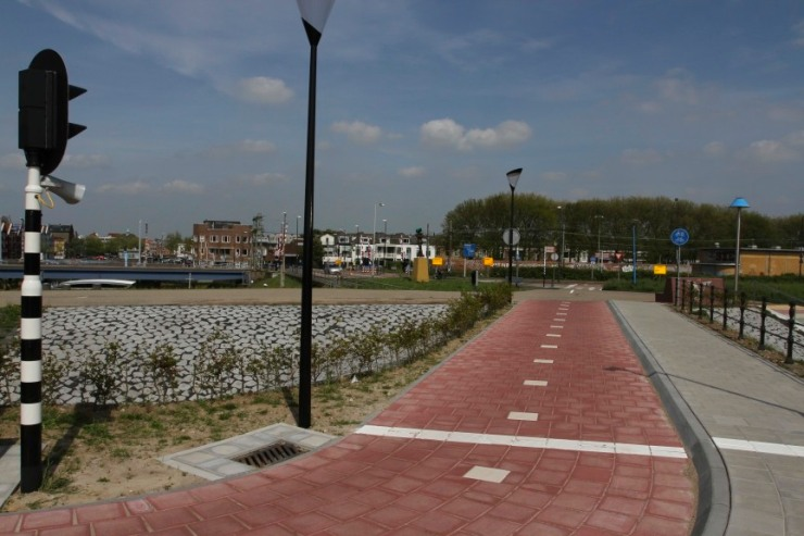 Cycle path near Maassluis, Netherlands