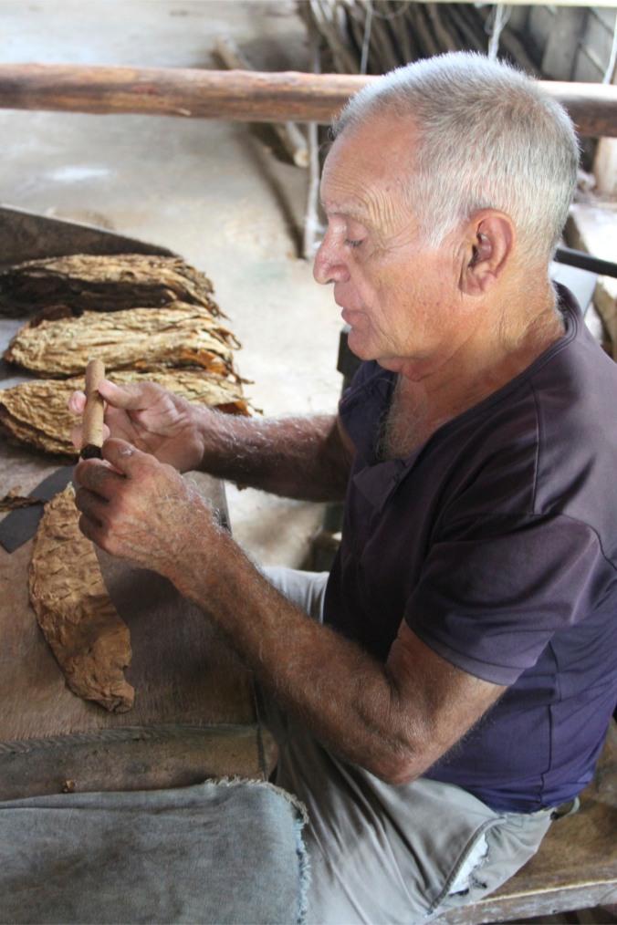 Rolling a cigar, Cuba