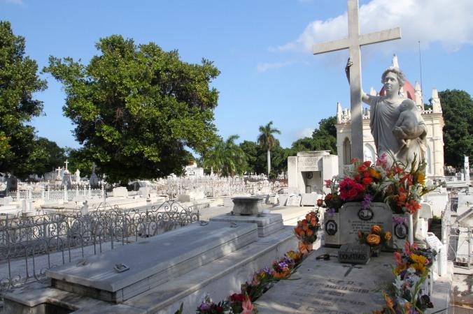 La Milagrosa, Cementerio de Cristóbal Colón, Havana, Cuba