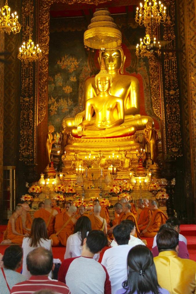 Buddhist monks, Wat Bowonniwet Vihara, Bangkok, Thailand
