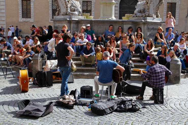 Musicians, Piazza di Santa Maria, Trastevere, Rome, Italy
