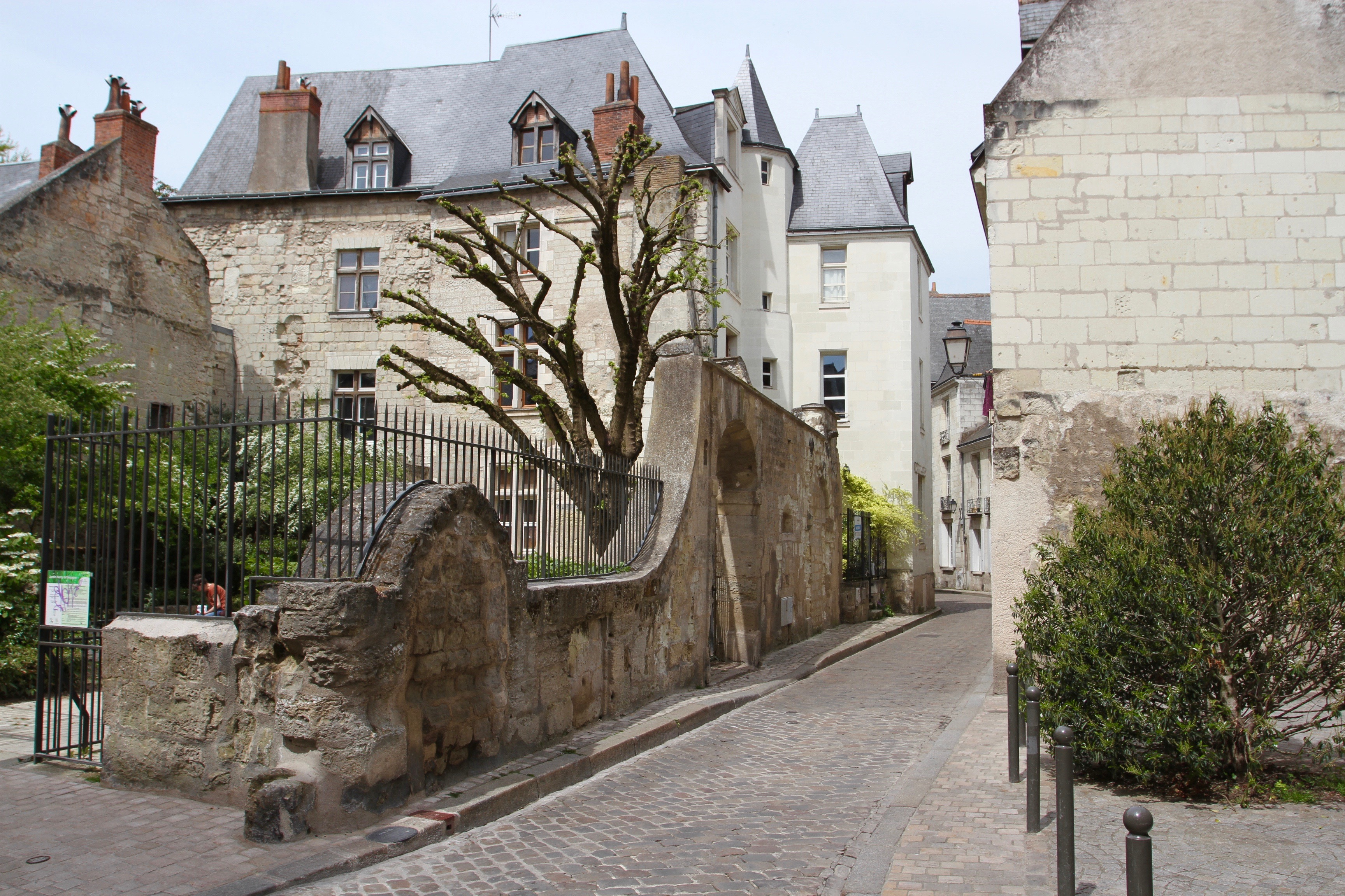 A Confluence Of History In Tours Notesfromcamelidcountry - Tours france
