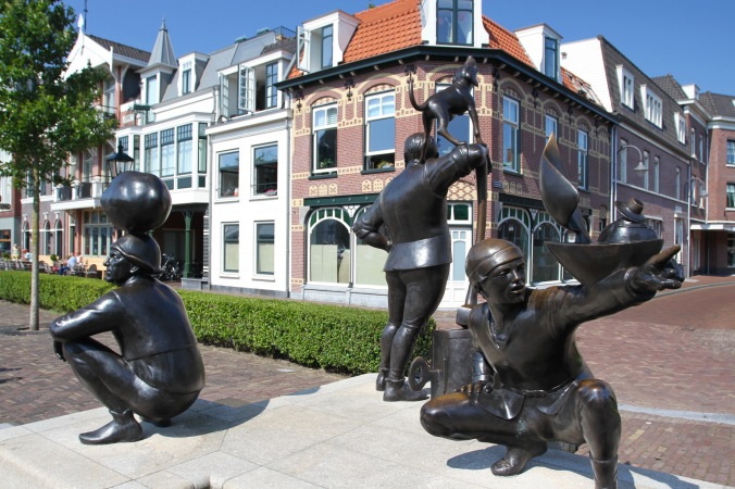 Sculpture in Leidschendam, The Netherlands