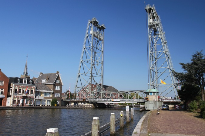 Vertical-lift bridge at Boskoop, Netherlands