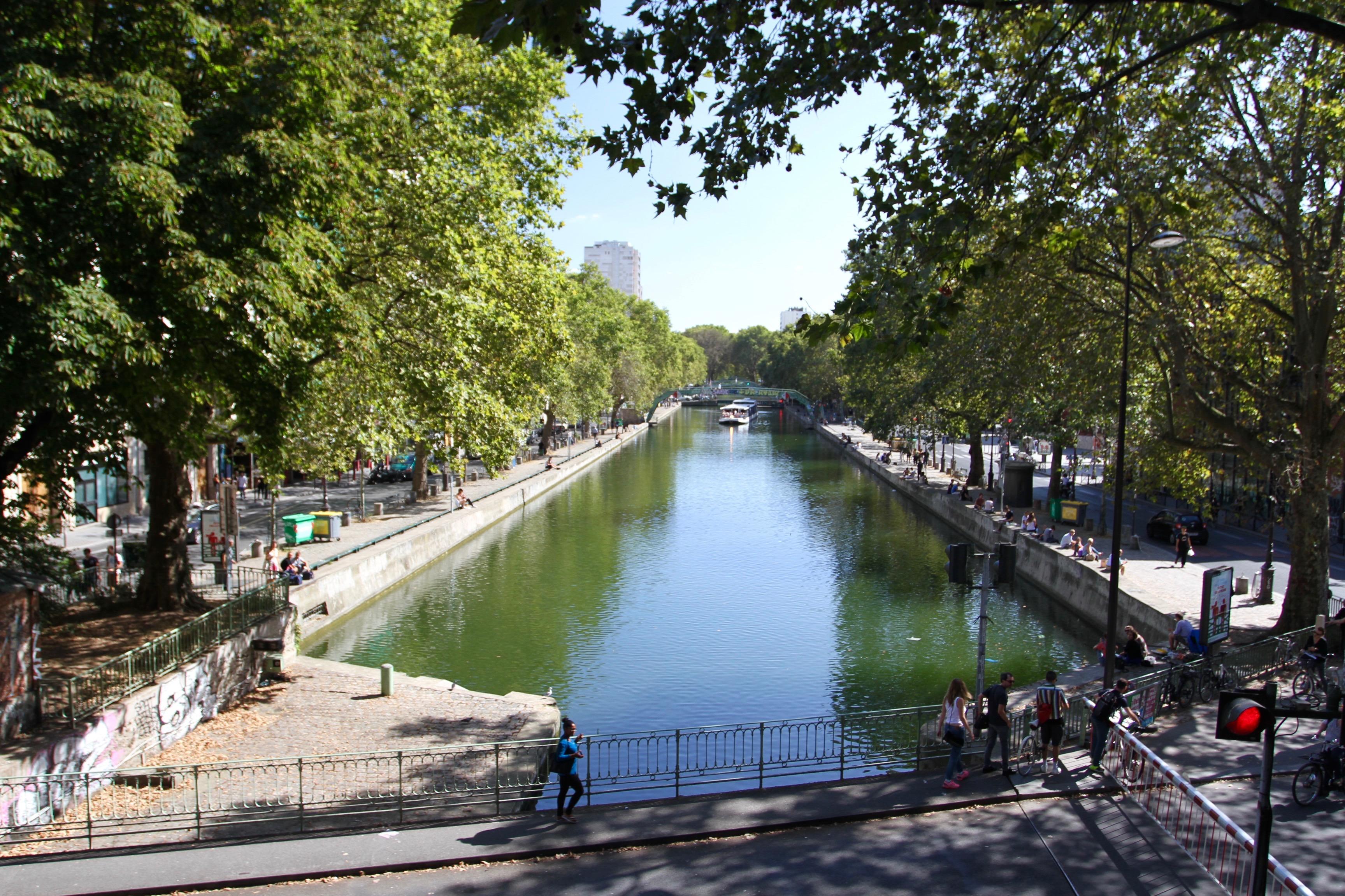a parisian stroll canal st martin to the marais. Black Bedroom Furniture Sets. Home Design Ideas